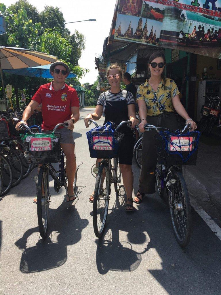 renting bikes in ayutthaya