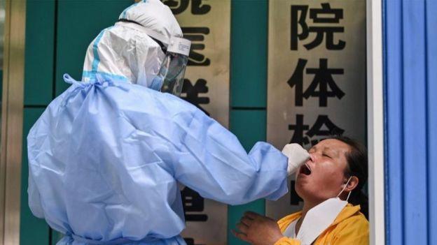 Coronavirus testing in Wuhan
